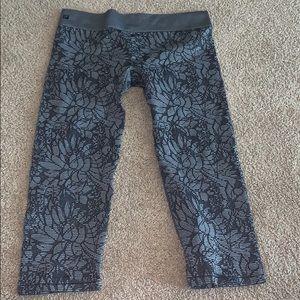 Like New Gray Floral Fabletic Crop Leggings